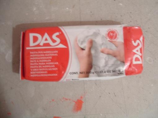 Me sorprendió lo efectiva que resultó, a mi me agrada trabajar más con esta pasta que con cerámica en frío, como dije antes es solo cosa de gustos.