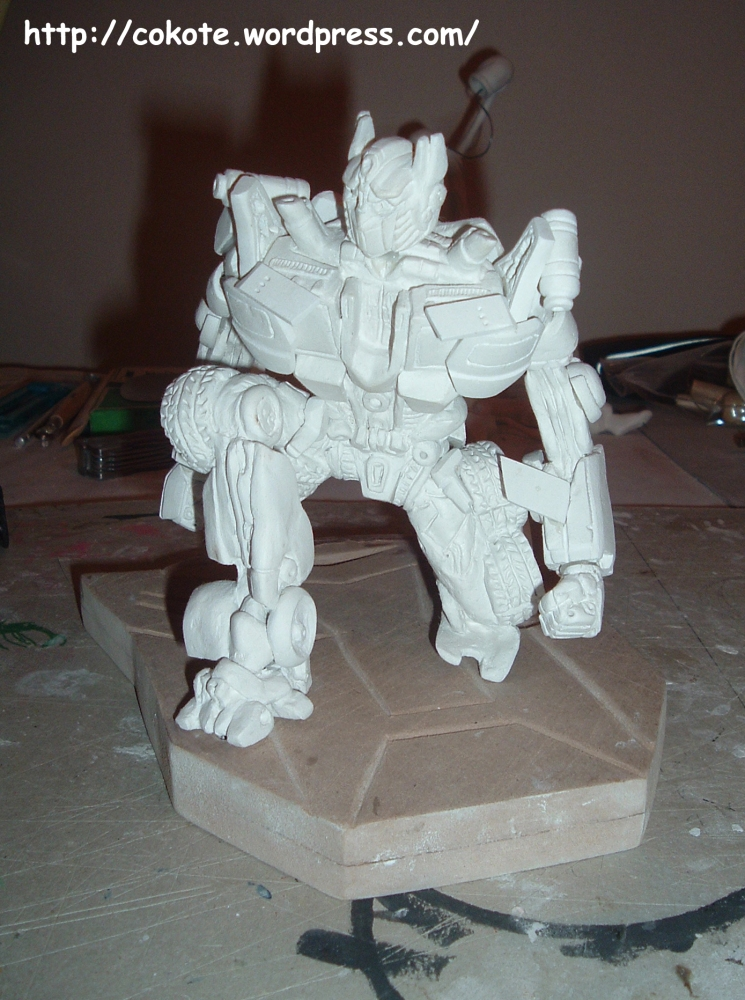 Paciencia... figuras complejas. Optimus Prime en pasta para modelar. (3/6)