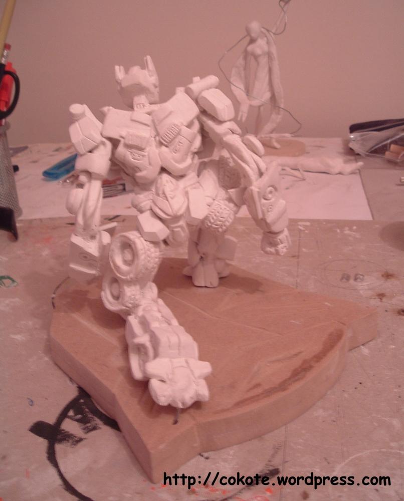 Paciencia... figuras complejas. Optimus Prime en pasta para modelar. (4/6)