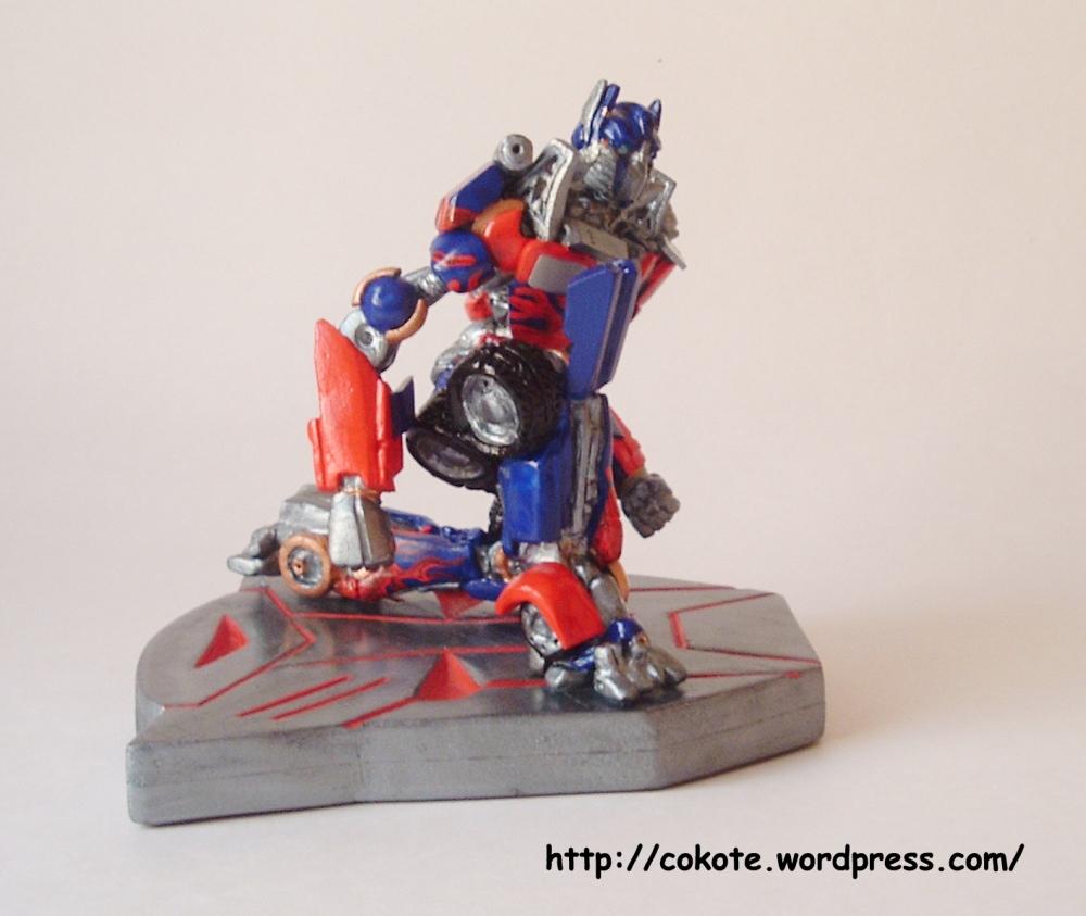 Paciencia... figuras complejas. Optimus Prime en pasta para modelar. (6/6)